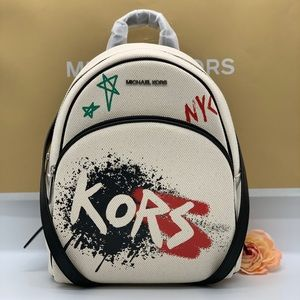 MICHAEL KORS GRAFFITI ABBEY MD BACKPACK LT CRM MUL